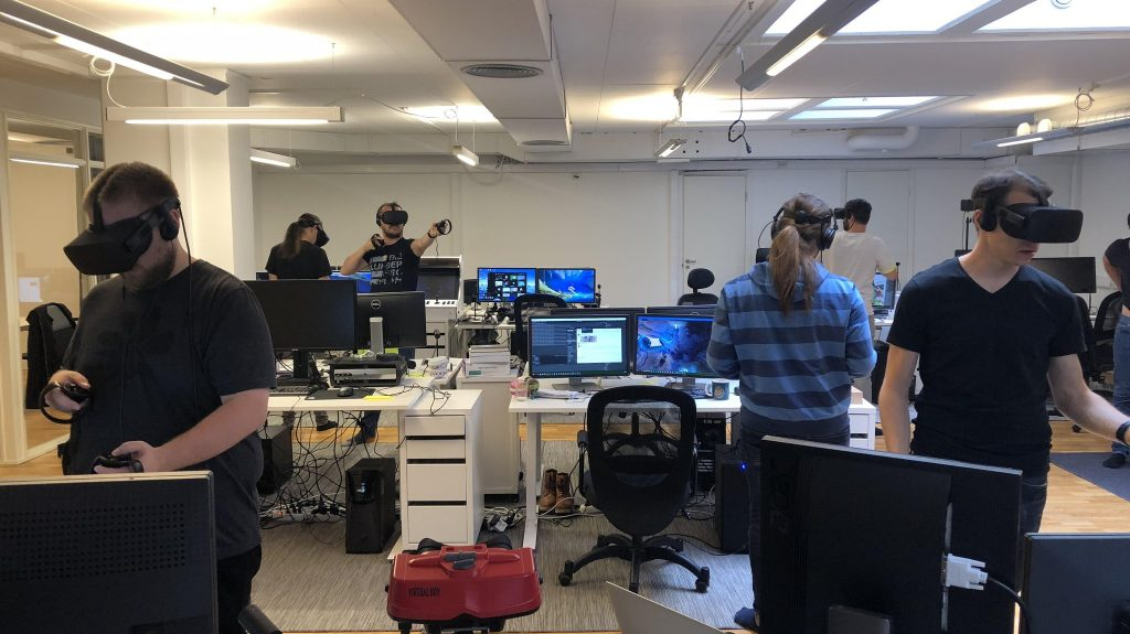 Managing Communities in VR – Establishing Sustained Value at No Cost