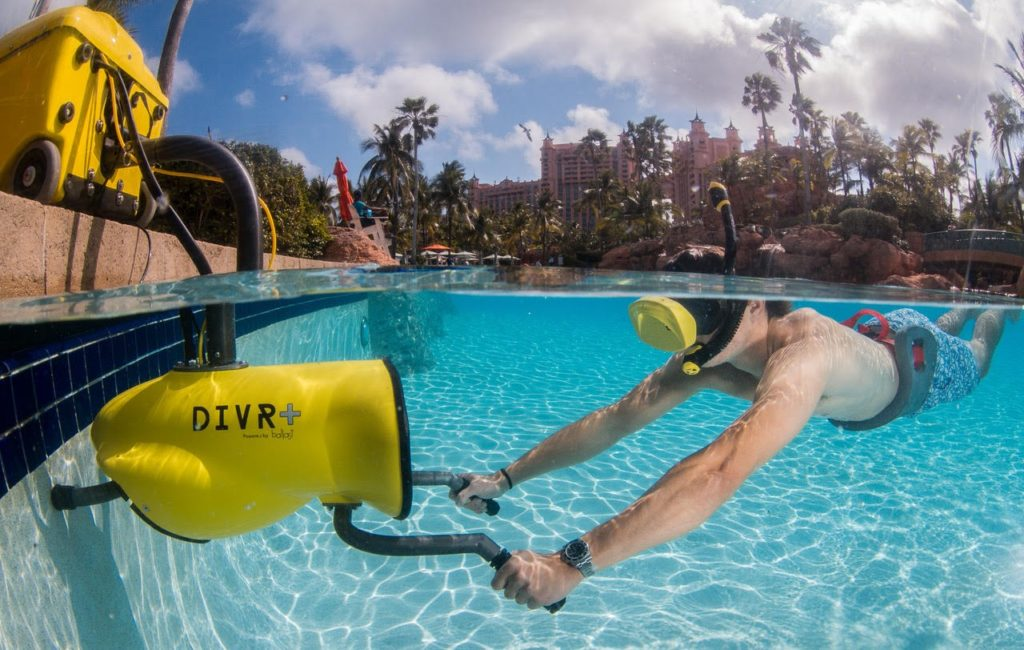 DIVR+ - virtual reality underwater system while being used